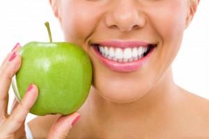 Izbijelite zube prirodnim putem