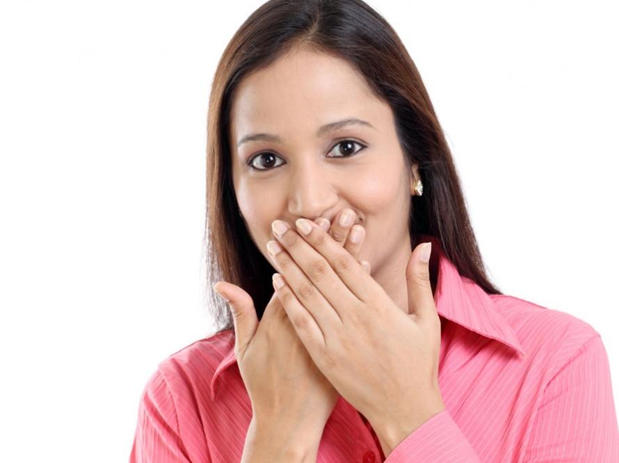 Neželjene dlačice na licu – kako ih ukloniti?